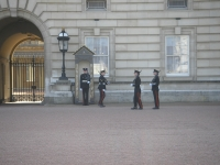 Guards,_Buckingham_Palace_London_April_2006_072