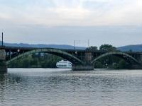 Die Gülser Eisenbahnbrücke in Koblenz