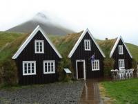 Hrafnseyri (Jón Sigurðsson), Island