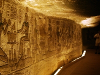 Interior_Abu_Simbel_qwelk
