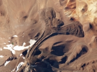 Llullaillaco_Volcano,_Argentina-Chile_Border_2009-12-09_lrg