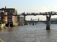 London.millennium.bridge.arp.750pix