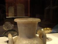 Vase aus Alabaster, gefunden in Sakkara, in der Louvre Sammlung, Paris