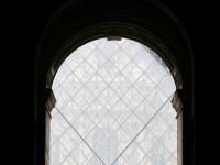 Aus dem Louvre: Sicht auf die Pyramide