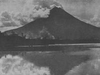 Mayon 1912.