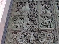 Milano_duomo-door1