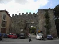 Ostia_antica_-_ingresso_al_borgo_2515