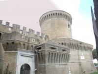 Ostia_antica_-_ingresso_al_castello