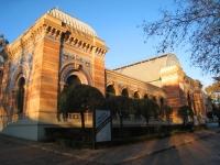 Palacio_de_Velázquez,_Parque_del_Buen_Retiro,_Madrid_-_view_2