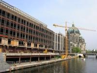 Palast_der_Republik_Berliner_Dom_Spree_2006