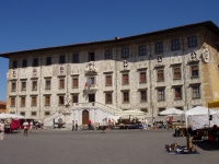 Palazzo_dei_Cavalieri_-_Pisa,_Italy