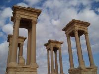 Palmyra_Tetrapylon