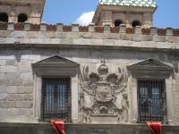 Puerta_de_Bisagra,_Toledo_-_view_2