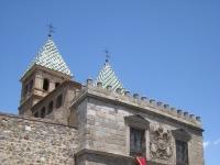 Puerta_de_Bisagra,_Toledo_-_view_3