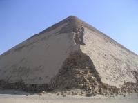 Pyramide_rhomboidale_02
