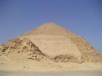 Pyramide_rhomboidale_03