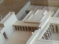 Ramesseum_palais_RII_maquette_Louvre