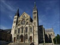 Reims_Basilique_St_Remi_01