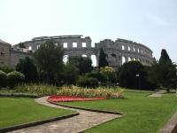 Roman_theatre_Pula