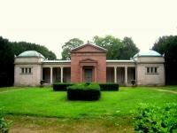Rosenhöhe_Darmstadt_-_old_mausoleum_-_IMG_7049