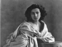 Sarah_Bernhardt-Nadar