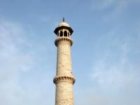 Taj_Mahal_minaret-1