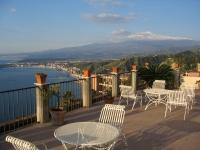 Taormina: Sicht auf den Vulkan Ätna