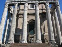 Tempel des Antoninus Pius und der Faustina, Forum Romanum, Rom