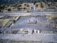 Sicht von der Sonnenpyramide aus,Teotihuacán, Mexico