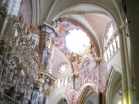 Transparente_of_Toledo_Cathedral_-_side_view_1