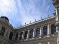 Uni_Wien_Statuen,_Vienna