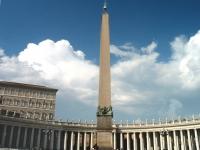 Vatican_Piazza_San_Pietro_Obelisk