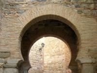 Wall_entry_near_Puente_de_Alcantara,_Toledo