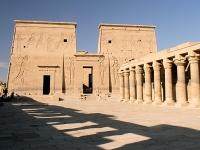 Der erste Pylon des Tempels von Philae