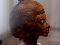 Horzstatue von Teje, Große Königliche Gemahlin von Amenophis III. 18. Dynastie