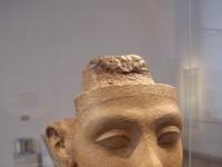 Statue einer Gemahlin des Echnaton - 18. Dynastie