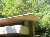 Frank Lloyd Wright: Falling Water, bedroom terrace