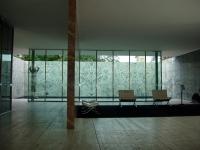 Ludwig Mies van Rohe: Barcelona Sessel, Barcelona Pavillon (1929)