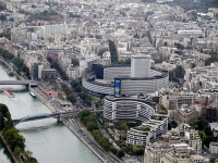 Vue depuis la Tour Eiffel, la Maison de la Radio