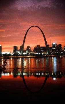 St Louis: Gateway Arch und Skyline