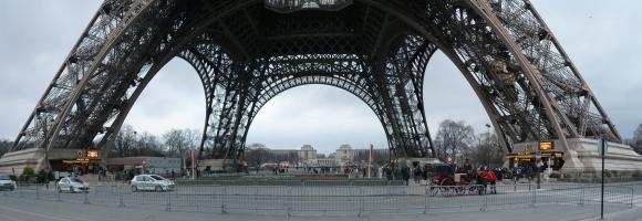 Basis vom Eiffelturm, Paris