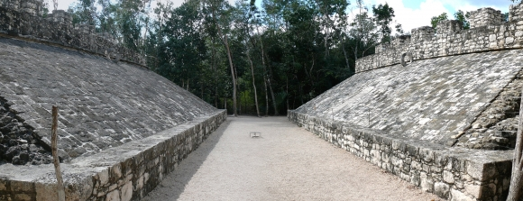 Ball-Spielplatz in Coba, Mexiko