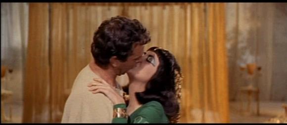 1963 Cleopatra trailer screenshot (26)