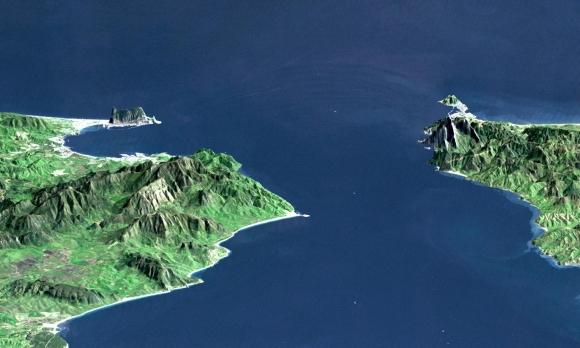 Reliefdarstellung der NASA (links: Spanien, rechts: Marokko)
