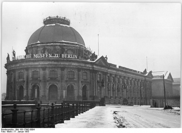 Bundesarchiv_Bild_183-17992-0004,_Berlin,_Bodemuseum,_Winter