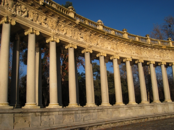 Monument to Alfonso XII of Spain, Madrid - columns 2