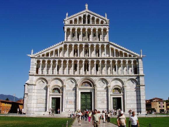 Pisa_Duomo_-_front_facade