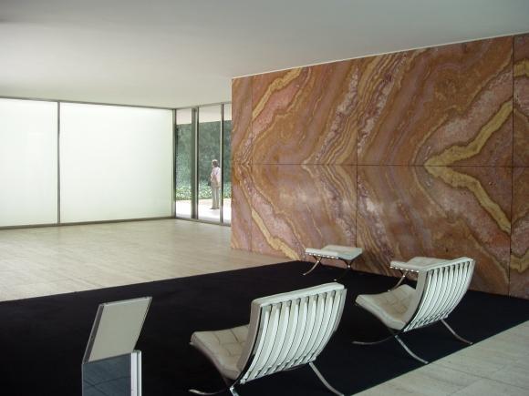 Ludwig Mies van Rohe: Barcelona Sessel, 1929