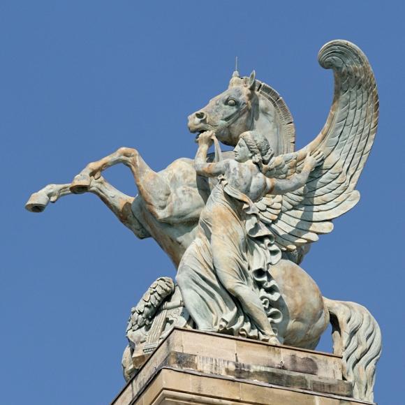 Pegasus Lequesne Palais Garnier