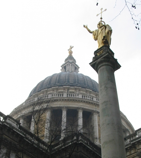 St_Paul_and_dome_cathedral_London